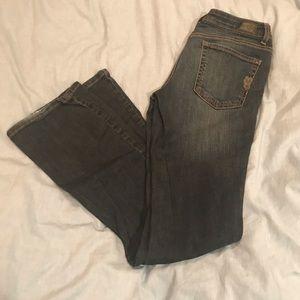 Jessica Simpson rocking curvy boot jeans
